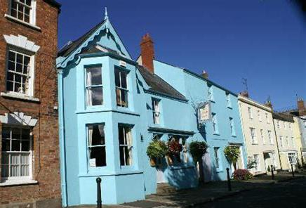 Accommodation in Newnham. The Ship. Hotel, cottage to rent, stay near Forest of Dean, Inn. White logo